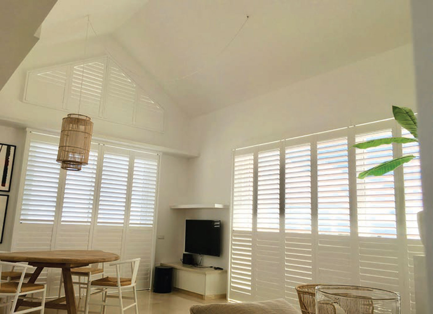Cool plantation style shutters for the coast home Are plantation shutters still in style 2017