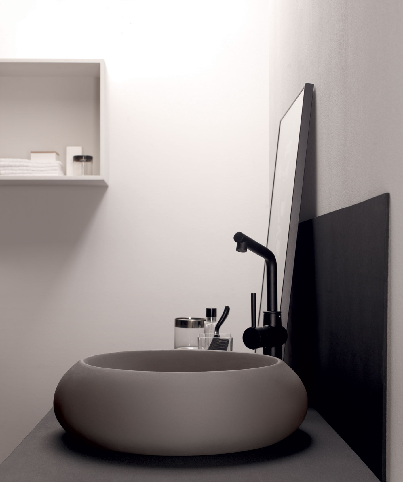 Bathrooms: Sleek Sanctuary