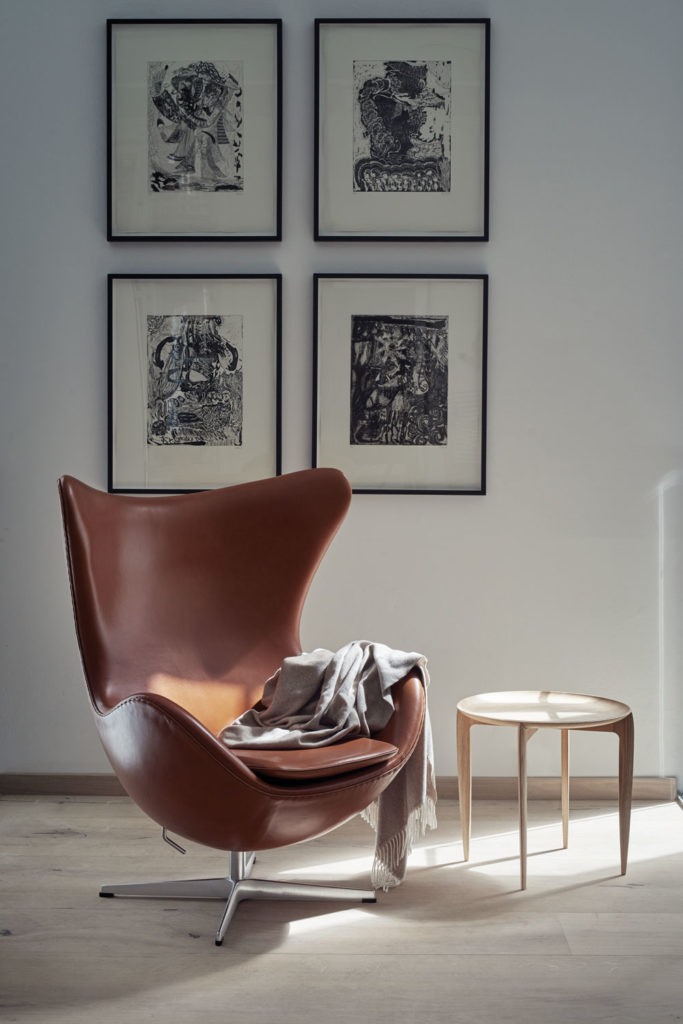 Below The Stingray rocking chair by Fredericia was inspired by nature and the flowing lines of the stingray. It is designed to appear like it is floating on its stainless-steel frame. Fredericia is available from Femont Galvan in the Marbella Club (www.femontgalvan.com).